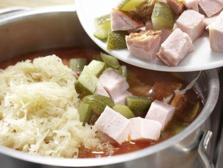 Sauerkrautsuppe mit Kassler: Zubereitungsschritt 6