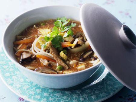 Scharf-saure, asiatische Suppe