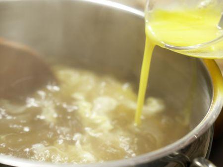 Scharf-saure Suppe: Zubereitungsschritt 7