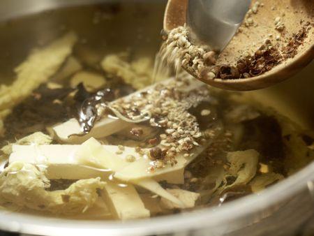 Scharf-saure Suppe: Zubereitungsschritt 8