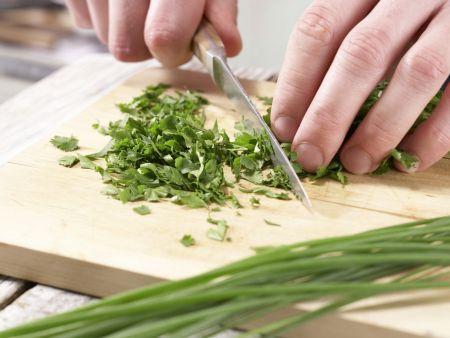 Scharfe Chinakohl-Wraps: Zubereitungsschritt 10