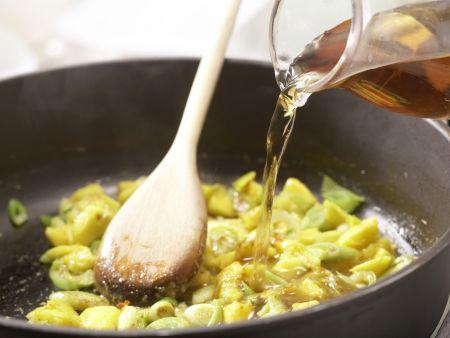 scharfe curry mango nudeln rezept eat smarter. Black Bedroom Furniture Sets. Home Design Ideas