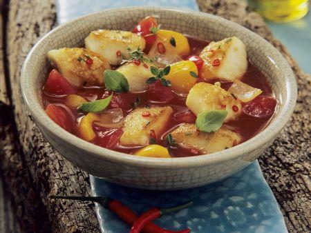Scharfe Fischsuppe auf andalusische Art