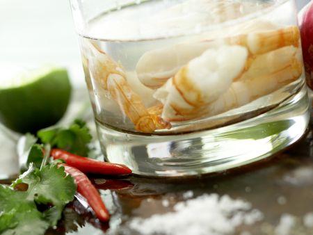 Scharfe Garnelen auf Avocadocreme: Zubereitungsschritt 3