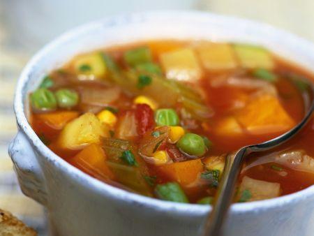 Scharfe Gemüsesuppe auf portugiesische Art