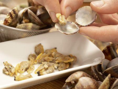 Scharfe Muschelsuppe: Zubereitungsschritt 4