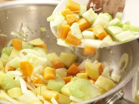 Scharfe Muschelsuppe: Zubereitungsschritt 7