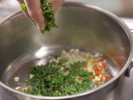 Scharfe Tomaten-Thunfisch-Pasta: Zubereitungsschritt 5