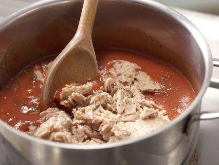 Scharfe Tomaten-Thunfisch-Pasta: Zubereitungsschritt 6