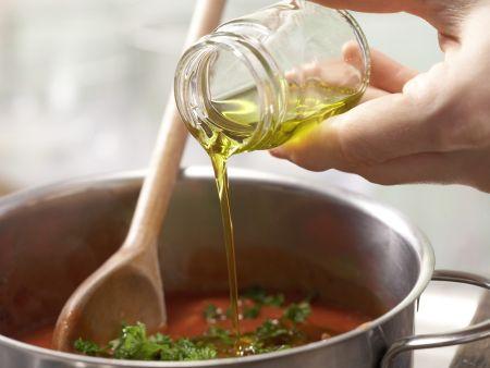 Scharfe Tomaten-Thunfisch-Pasta: Zubereitungsschritt 7