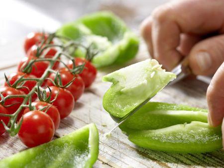 Scharfer Gemüse-Cocktail: Zubereitungsschritt 1