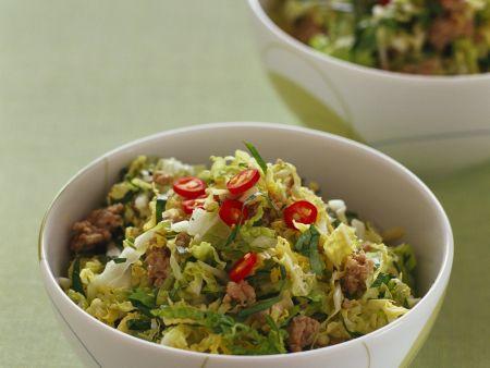Scharfer Kohlsalat mit Hackfleisch