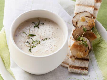 Schaumige Kartoffelsuppe mit Pilzen