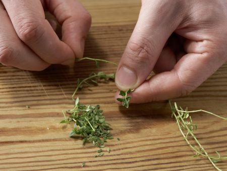 Schichtsalat mit Paprika und Sesam: Zubereitungsschritt 5