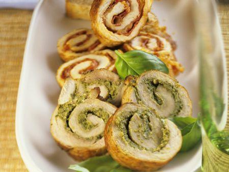 Schnitzelröllchen mit Pesto oder pikanter Salami