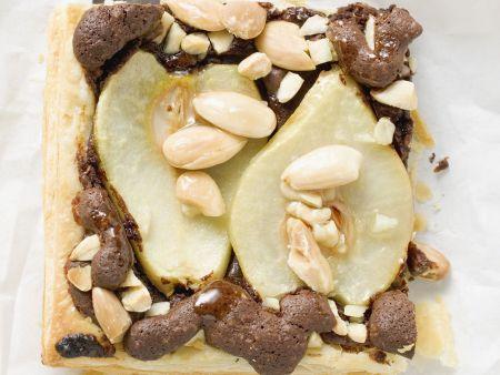 Schoko-Birnen-Schnitte mit Mandeln