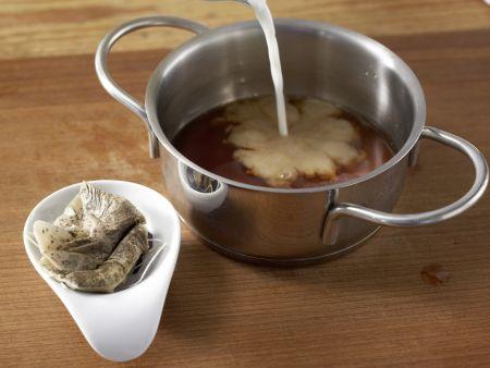 schoko chai und cranberry eis mit physalis und waffelr llchen rezept eat smarter. Black Bedroom Furniture Sets. Home Design Ideas