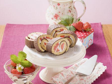 Rezept: Schokoladen-Erdbeer-Rolle