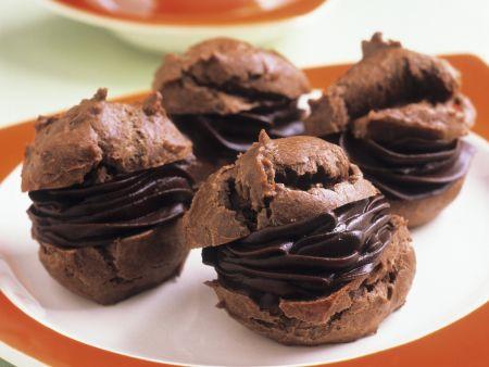 Schokoladen-Windbeutel