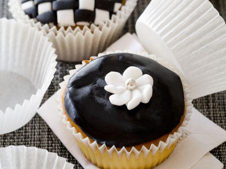 Schwarz-Weiß-Cupcakes