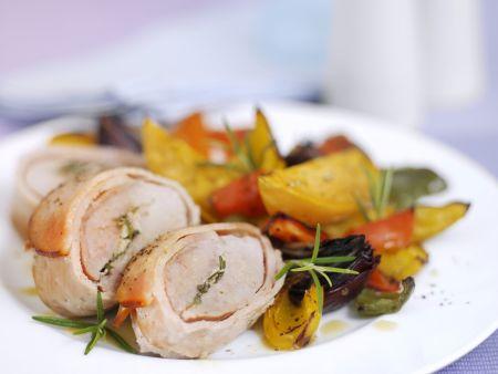 Schweinefilet im Baconmantel mit gemischtem Gemüse