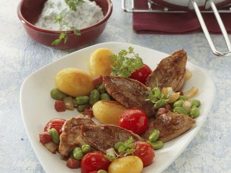 Schweinefilet mit gebratenen Kartoffeln und Kerbelcreme