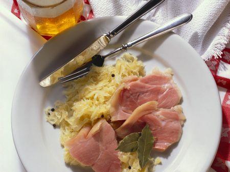 Rezept: Schweinshaxe mit Sauerkraut