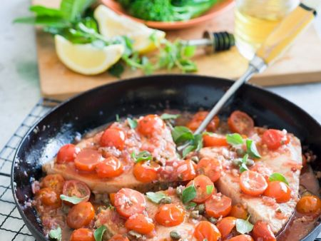schwertfisch mit tomatensauce rezept eat smarter. Black Bedroom Furniture Sets. Home Design Ideas