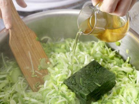 Semmelknödel auf Gemüse: Zubereitungsschritt 6