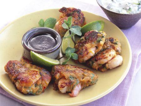 Shrimps-Süßkartoffel-Bratlinge mit Gurkenjoghurt