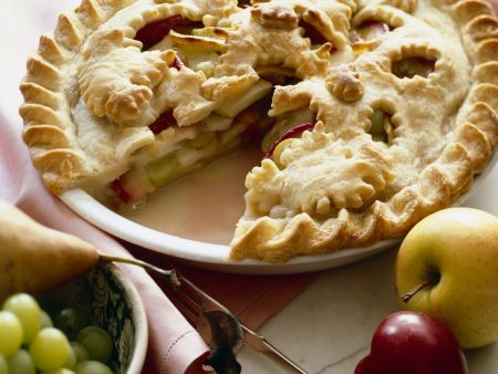 Sommer-Pie (mit Äpfeln, Pflaumen, Birnen, Trauben)