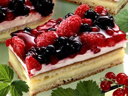 Sommerlicher Beerenkuchen
