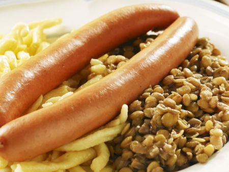 Spätzle mit Linsen und Wiener Würstchen