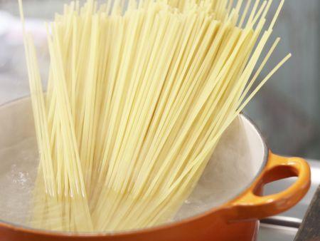 Spaghetti à la Carbonara: Zubereitungsschritt 4
