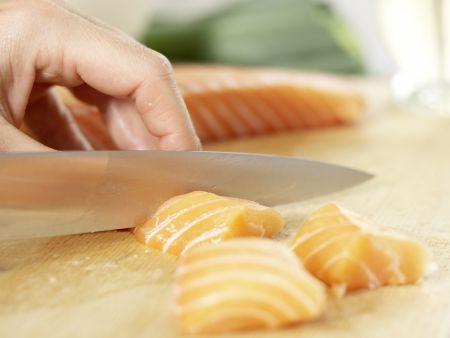 Spaghetti mit Lachs: Zubereitungsschritt 1