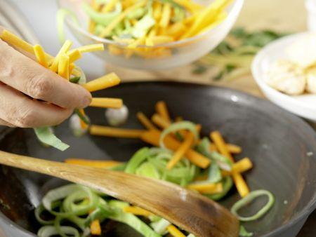Spaghetti mit Lachs: Zubereitungsschritt 6