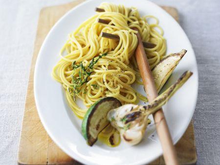 Spaghetti mit gebratenem Knoblauch und Limette