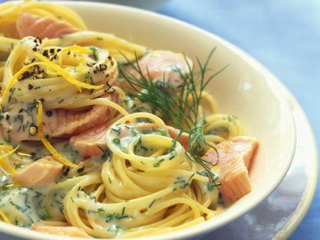 Spaghetti mit Lachs-Dill-Soße