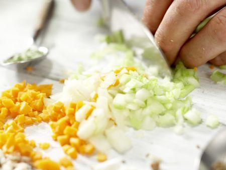 Spaghetti mit Pilz-Bolognese: Zubereitungsschritt 2