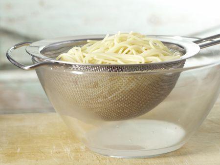 Spaghetti mit rotem Pesto: Zubereitungsschritt 7