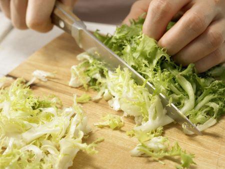 Spargel-Frisée-Salat: Zubereitungsschritt 4