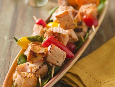 Spargel-Lachs-Spieße mit Paprika