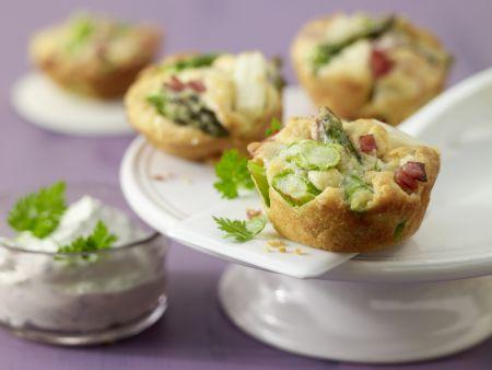 Spargel-Muffins mit Kräuter-Dip