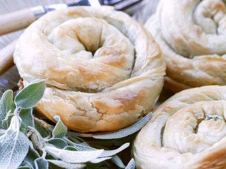 Spinat-Feta-Schnecken aus Filoteig