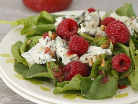 Spinat-Himbeer-Salat mit Gorgonzola