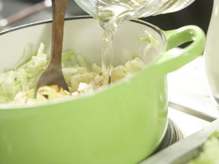Spitzkohl in Sojacreme: Zubereitungsschritt 3
