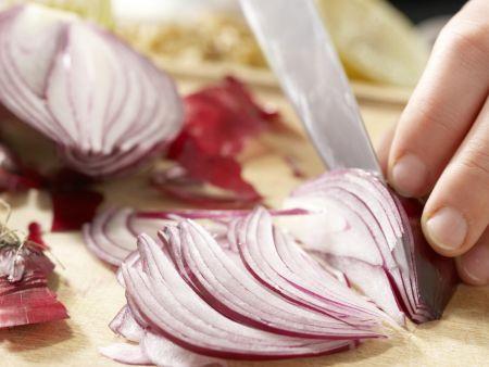 Spitzkohl-Waldorf-Salat: Zubereitungsschritt 1
