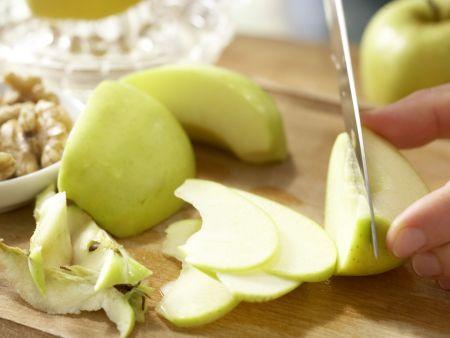 Spitzkohl-Waldorf-Salat: Zubereitungsschritt 5