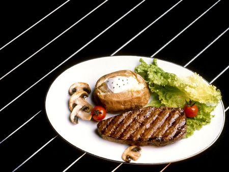 Steak mit Folienkartoffel