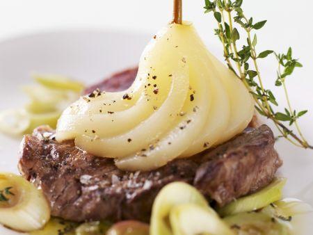 Steak mit pfeffriger Birne